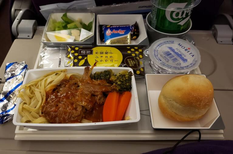 JALとマレーシア航空共同便の機内食