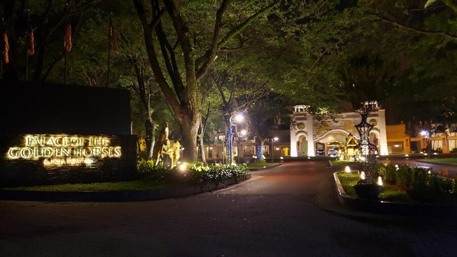 朝5時半のPalace Of The Golden Horses Hotel