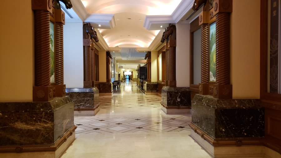 パレス オブ ザ ゴールデン ホーセズの1階