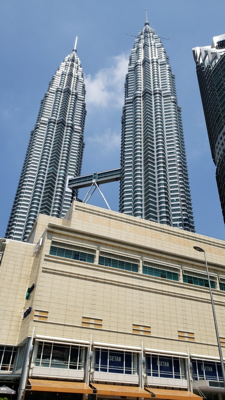 マレーシアのペトロナスツインタワー