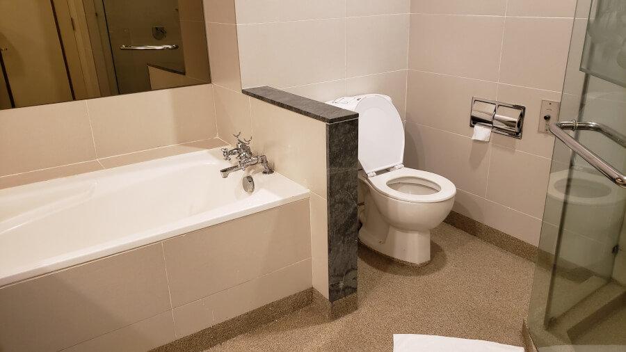 パレス オブ ザ ゴールデン ホーシーズ(クアラルンプール)バスルーム